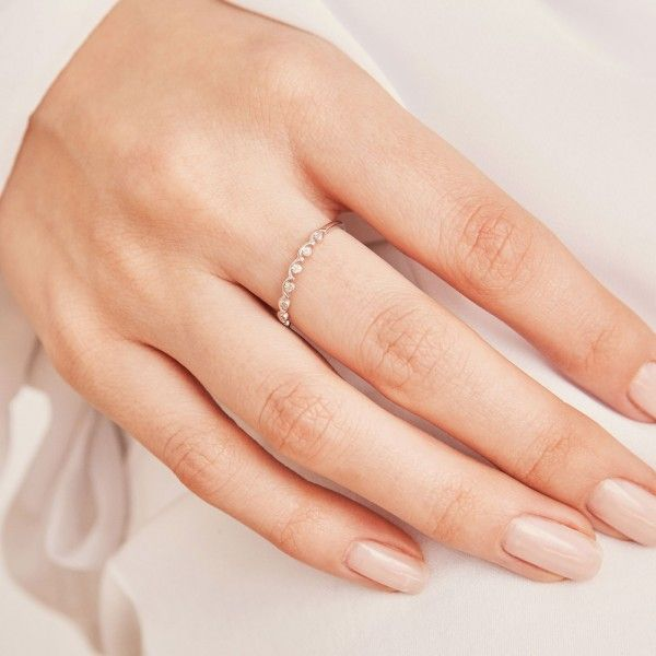 Crownie silver ring hand 1
