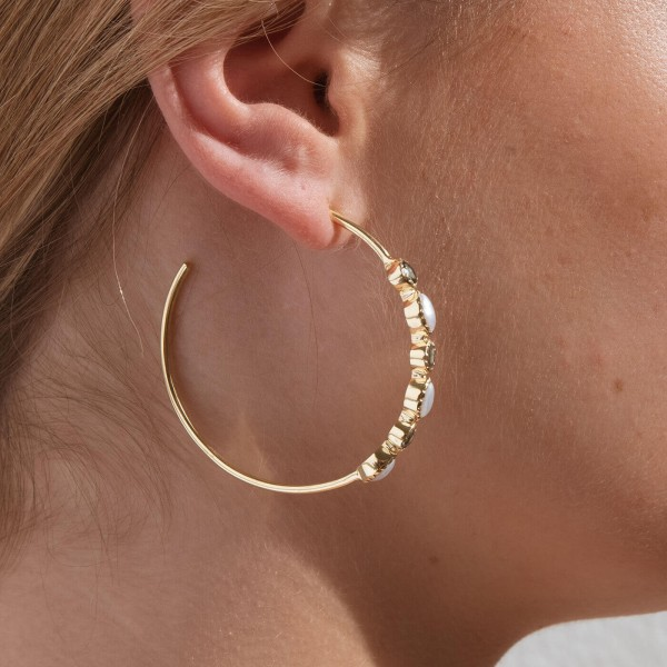 Blue Bibba Gold hoop earrings model 4