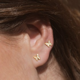 Mini butterfly gold earrings details 3