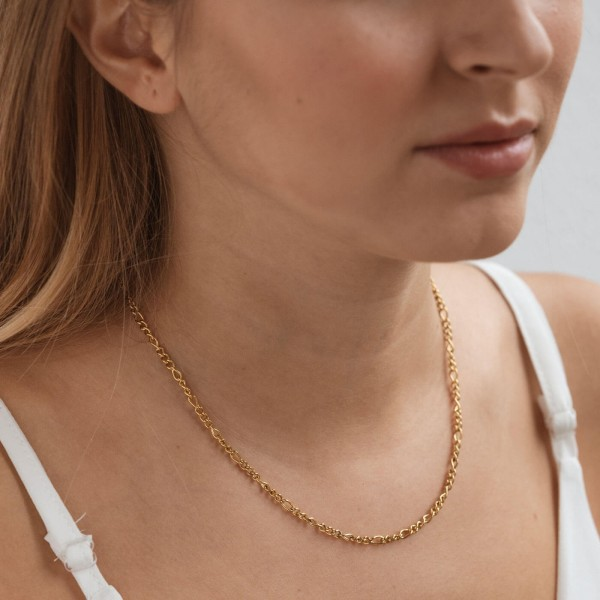 Gold figaro chain necklace girl 2
