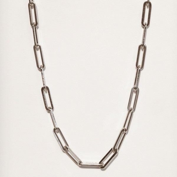 Big silver link chain necklace detail 2